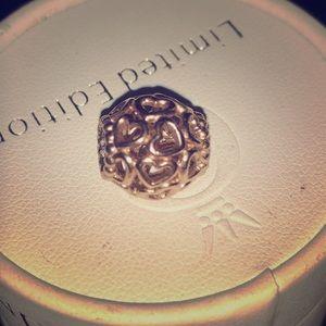 "Pandora rose ""open your heart"" charm !"